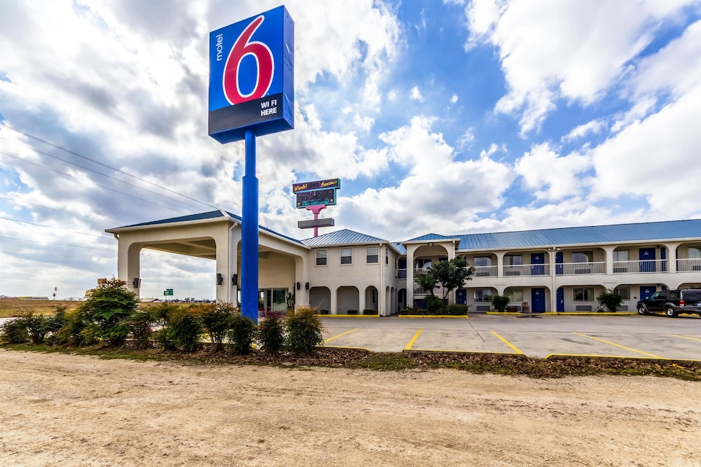 Front of Property, Motel 6 Seguin, TX