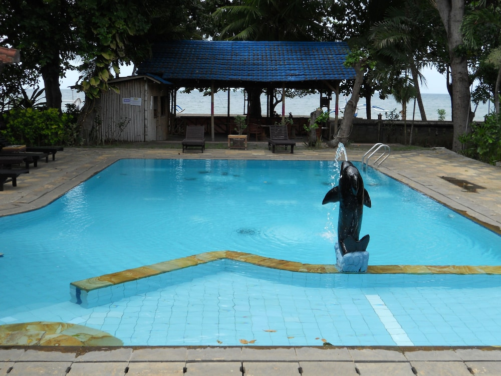 Bali lovina beach cottages in bali hotel rates reviews for Best hotels in bali near beach