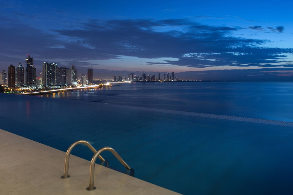 Infinity Pool, JW Marriott Panama