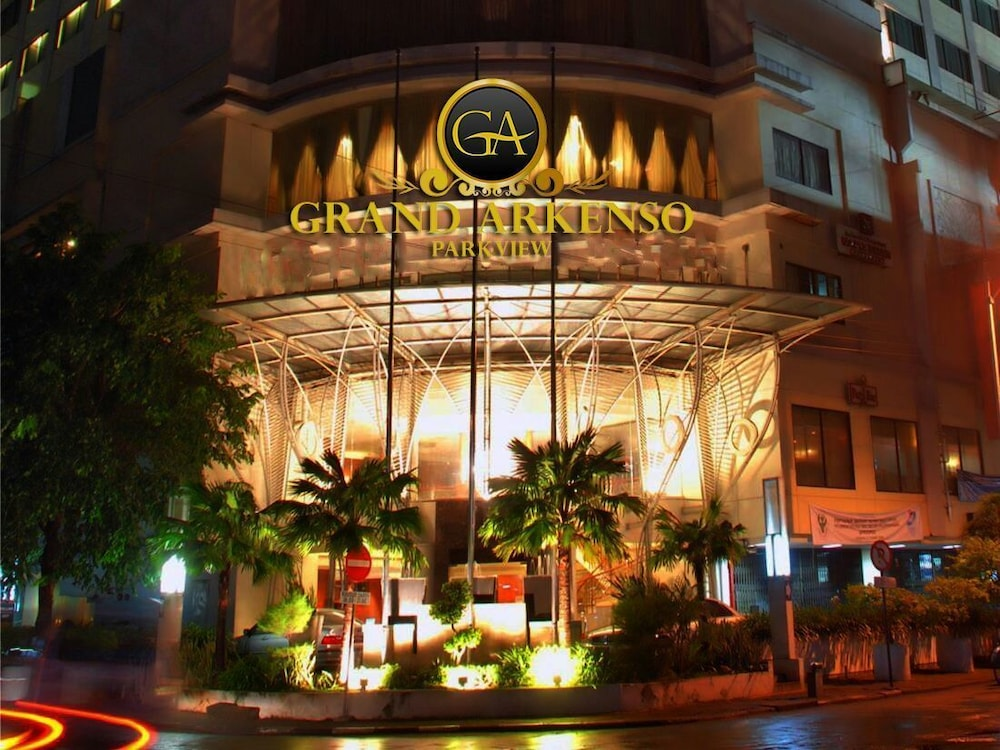 Grand Arkenso Parkview Hotel In Semarang Hotel Rates Reviews On