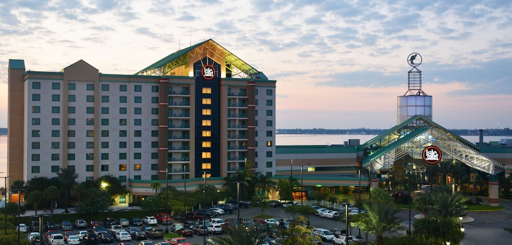 Front of Property - Evening/Night, Isle of Capri Casino Hotel Lake Charles