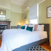 Kirkland House Bed & Breakfast