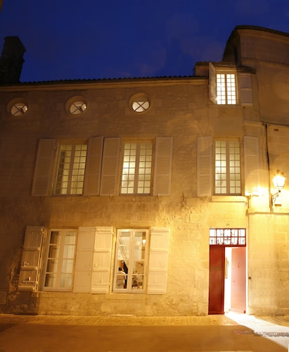 La Porte Rouge - The Red Door Inn Chambres d'Hotes
