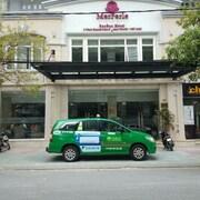 ホテルの外観 (正面)