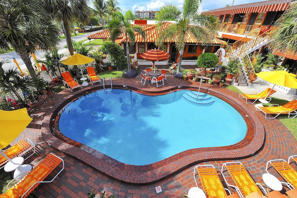 Outdoor Pool, Blue Seas Courtyard