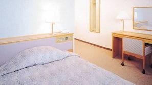 書桌、嬰兒床 (收費)、摺床/加床 (收費)、免費 Wi-Fi