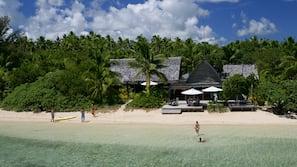 Private beach, sailing, kayaking, fishing