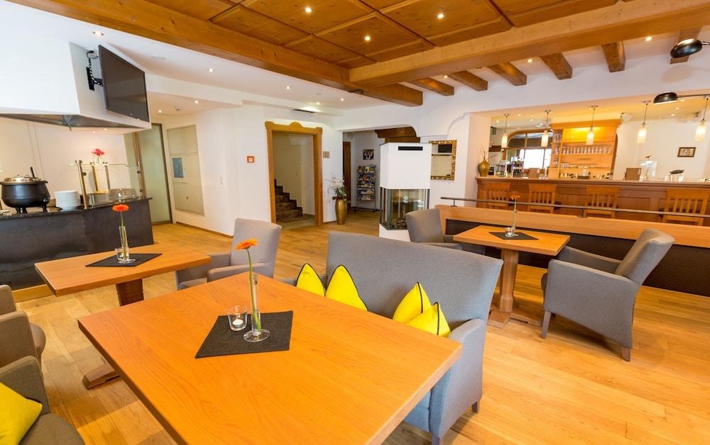 Ferienhotel Aussicht Finkenberg Aut Best Price Guarantee Lastminute
