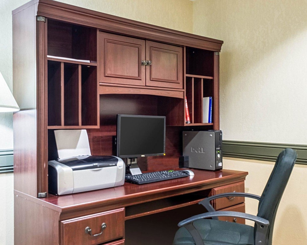 Business Center, MainStay Suites