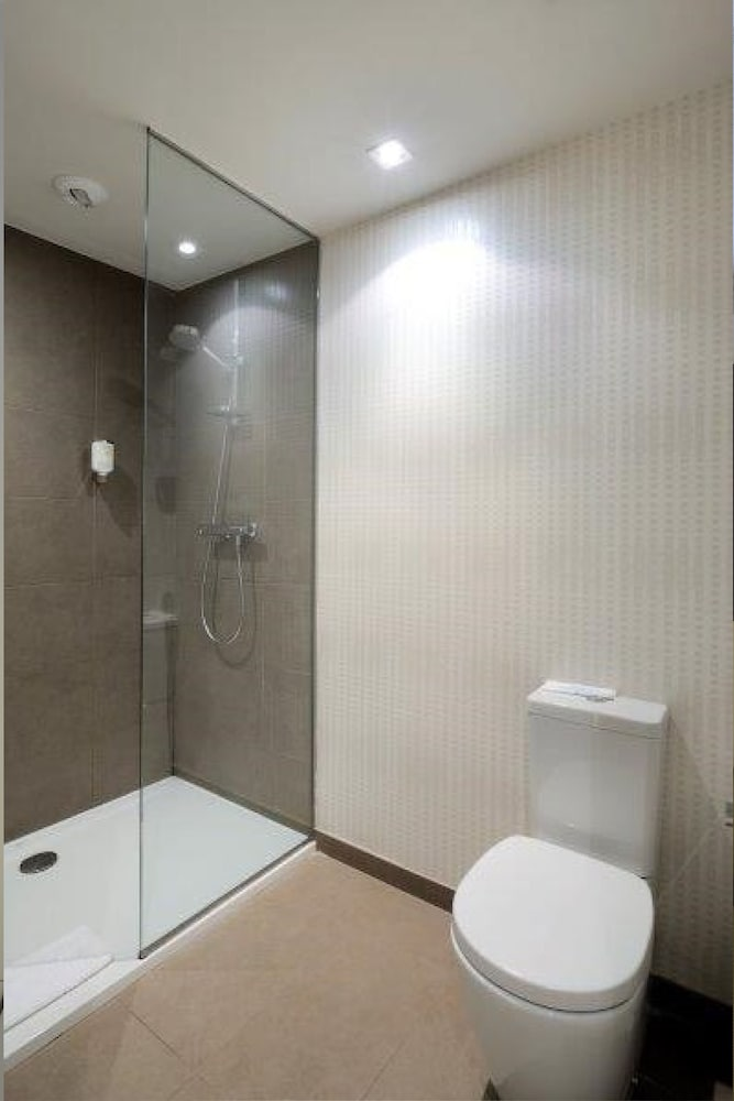 Bathroom, GRUMS HOTEL & SPA