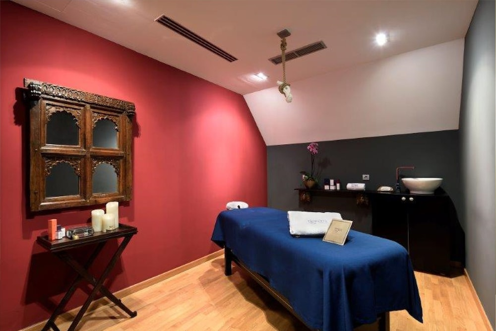 Treatment Room, GRUMS HOTEL & SPA