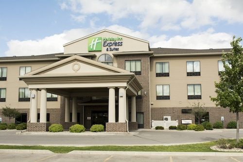 Holiday Inn Express and Suites Mason City, an IHG Hotel
