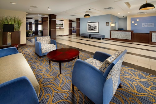 Holiday Inn Express Hotel & Suites Tullahoma, an IHG Hotel