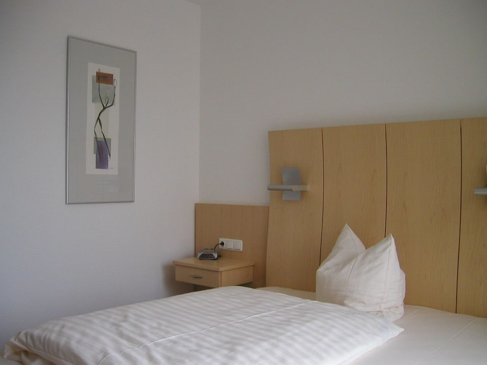 sporthotel avantage kiel alemania. Black Bedroom Furniture Sets. Home Design Ideas