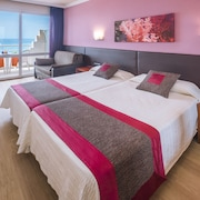 Casablanca Playa Hotel & Suites