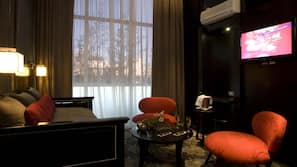 Egyptian cotton sheets, down duvets, minibar, in-room safe