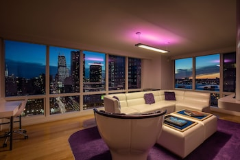 VIP View Suite - Living Room