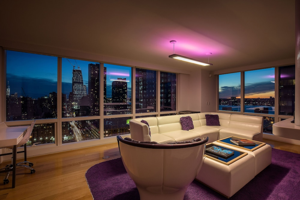 Yotel new york new york united states expedia for Hotels with family rooms for 5