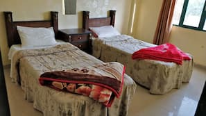 1 bedroom, Egyptian cotton sheets, pillowtop beds, in-room safe