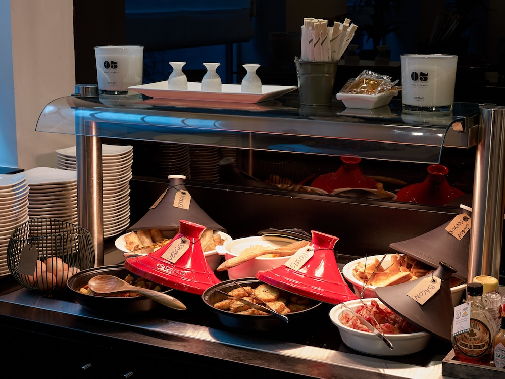 Breakfast buffet, Park Inn by Radisson Brussels Midi