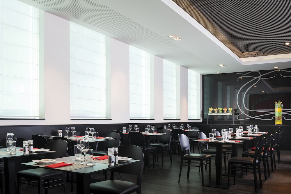 Restaurant, Park Inn by Radisson Brussels Midi