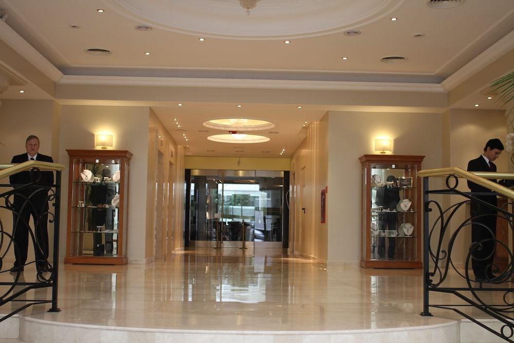 Hotel intersur recoleta in buenos aires hotel rates for Hotel buenos aires design recoleta