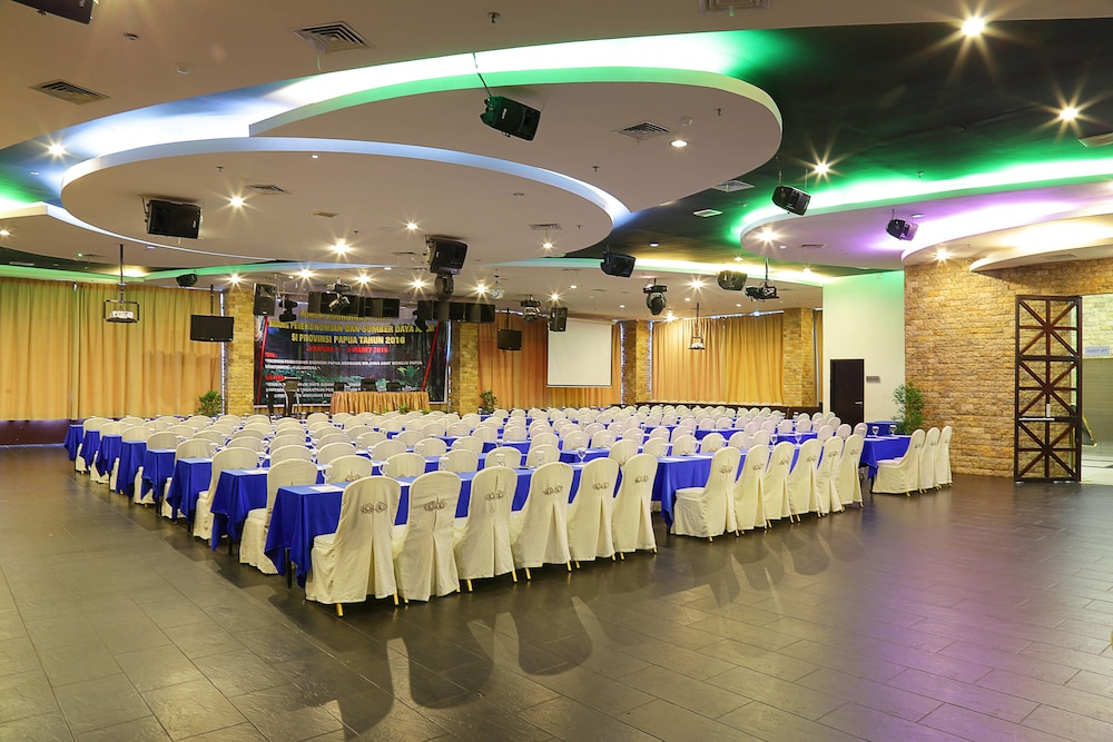 Aston jayapura hotel and convention centre deals reviews jayapura currently selected item junglespirit