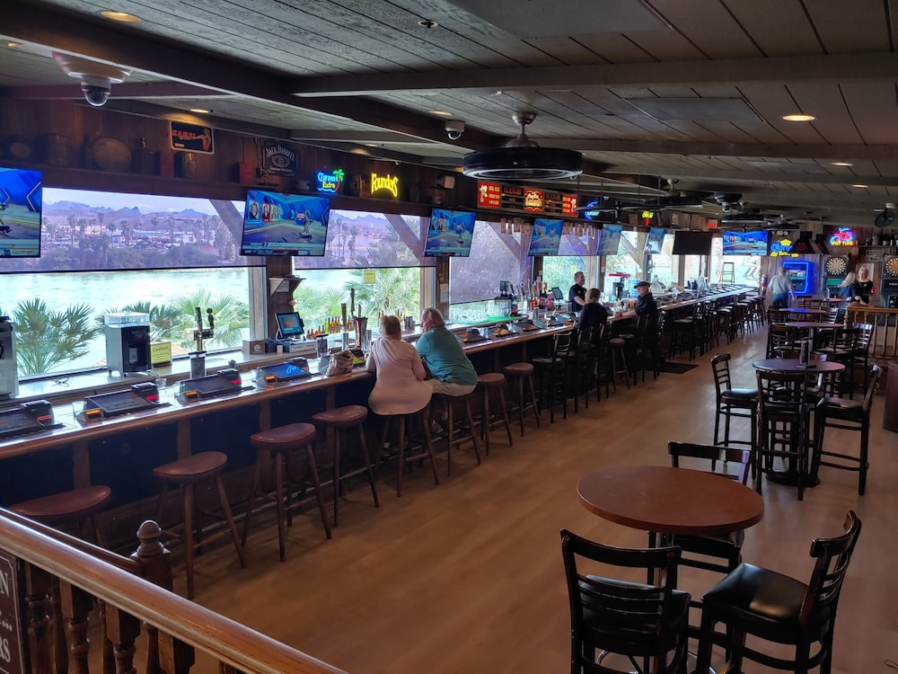 Sports Bar, The New Pioneer