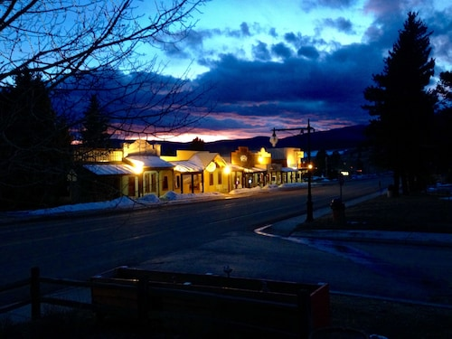 Great Place to stay Laguna Vista Lodge, Historic Restaurant and Saloon near Eagle Nest