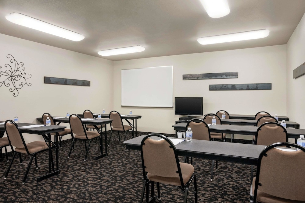 Meeting Facility, Travelodge by Wyndham McAlester