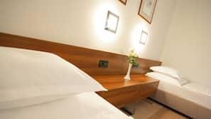 特厚豪華床墊、保險箱、書桌、免費 Wi-Fi