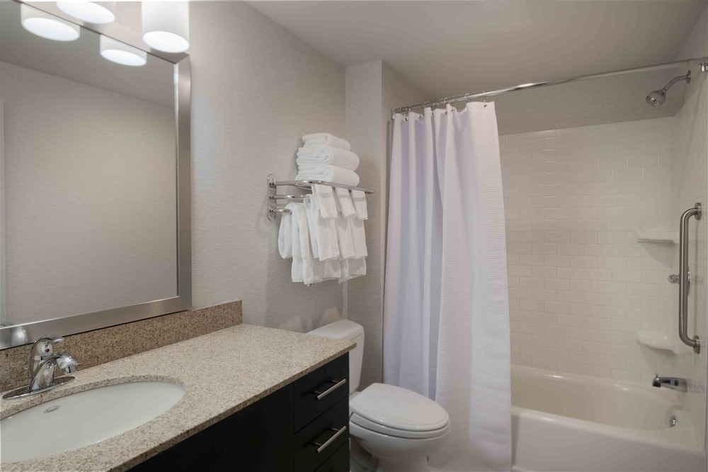 Bathroom, TownePlace Suites Providence North Kingstown