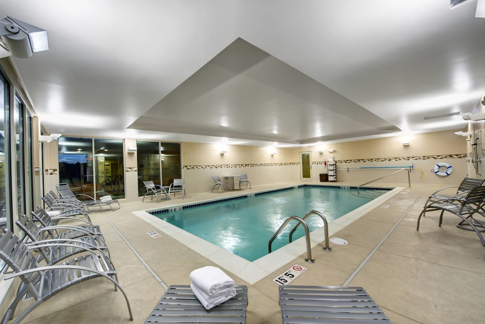 Indoor Pool, TownePlace Suites Providence North Kingstown