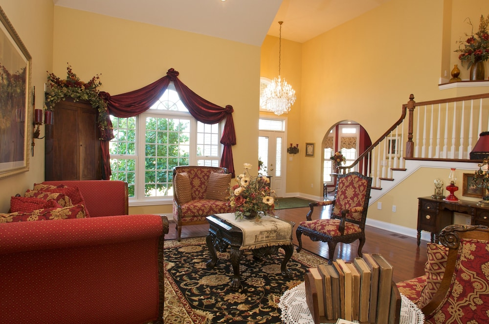 Interior Entrance, Southern Grace Bed & Breakfast