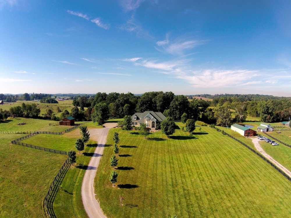 Aerial View, Southern Grace Bed & Breakfast