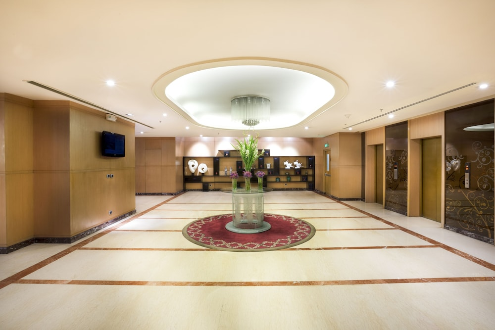 Lobby, Eastwood Richmonde Hotel