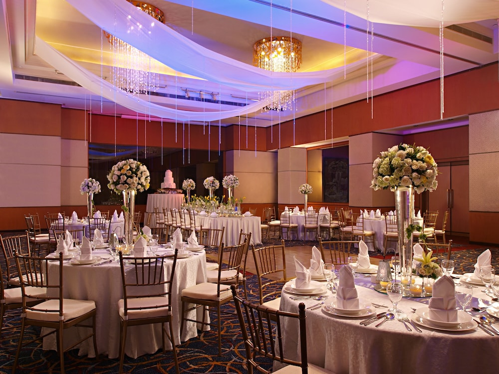 Banquet Hall, Eastwood Richmonde Hotel
