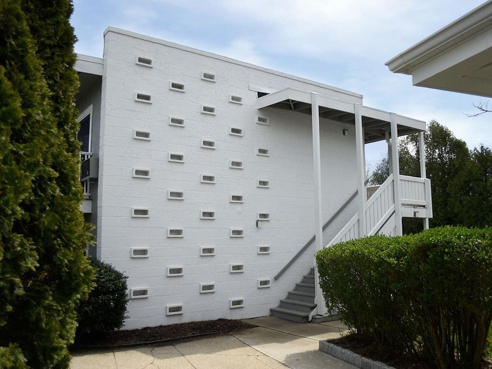 East Hampton House Resort 2017 Room Prices Deals Reviews