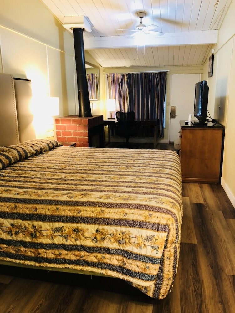 Room, Big Bear Inn