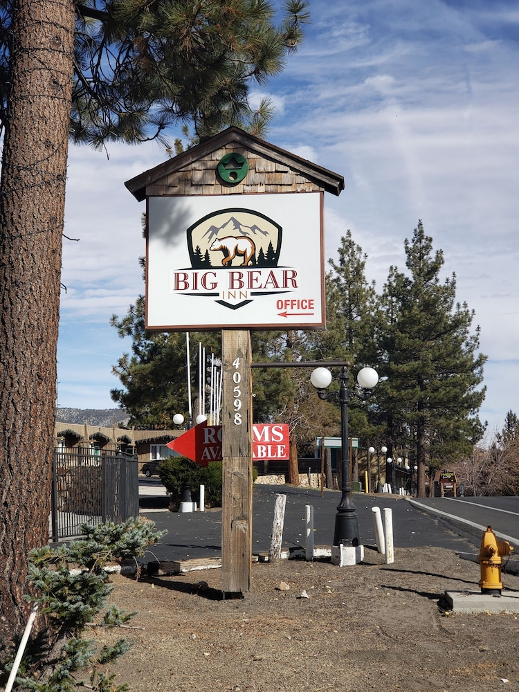 Business Center, Big Bear Inn
