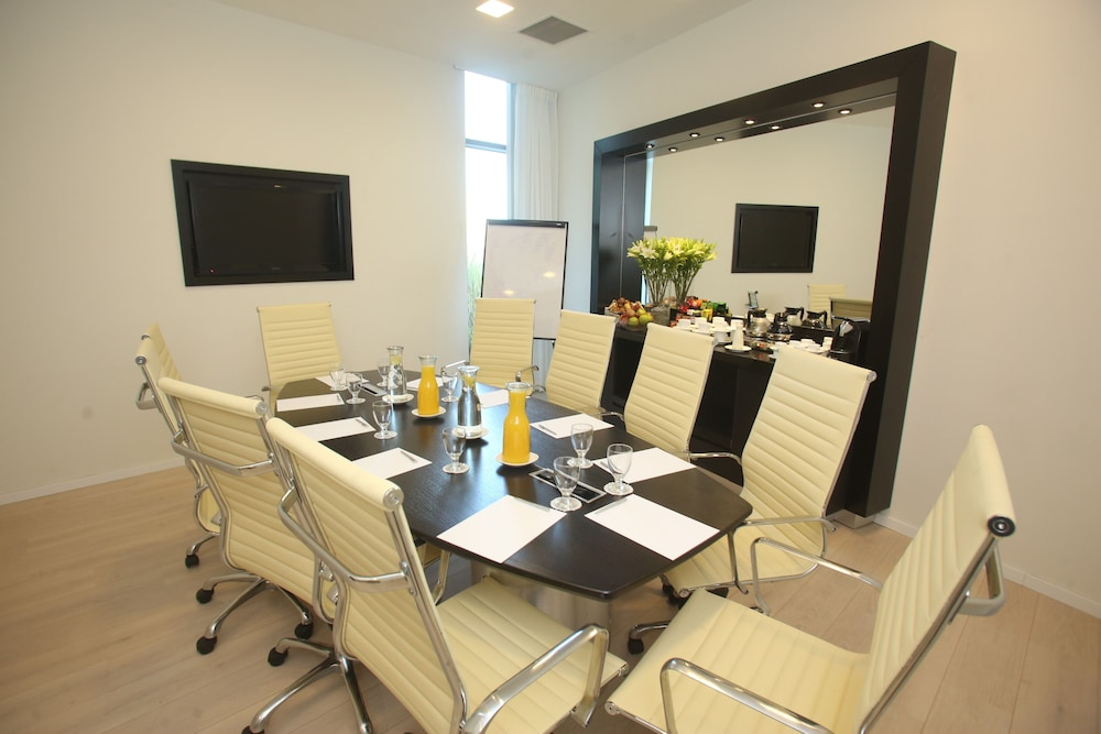 Meeting Facility, West All Suite Boutique Tel Aviv