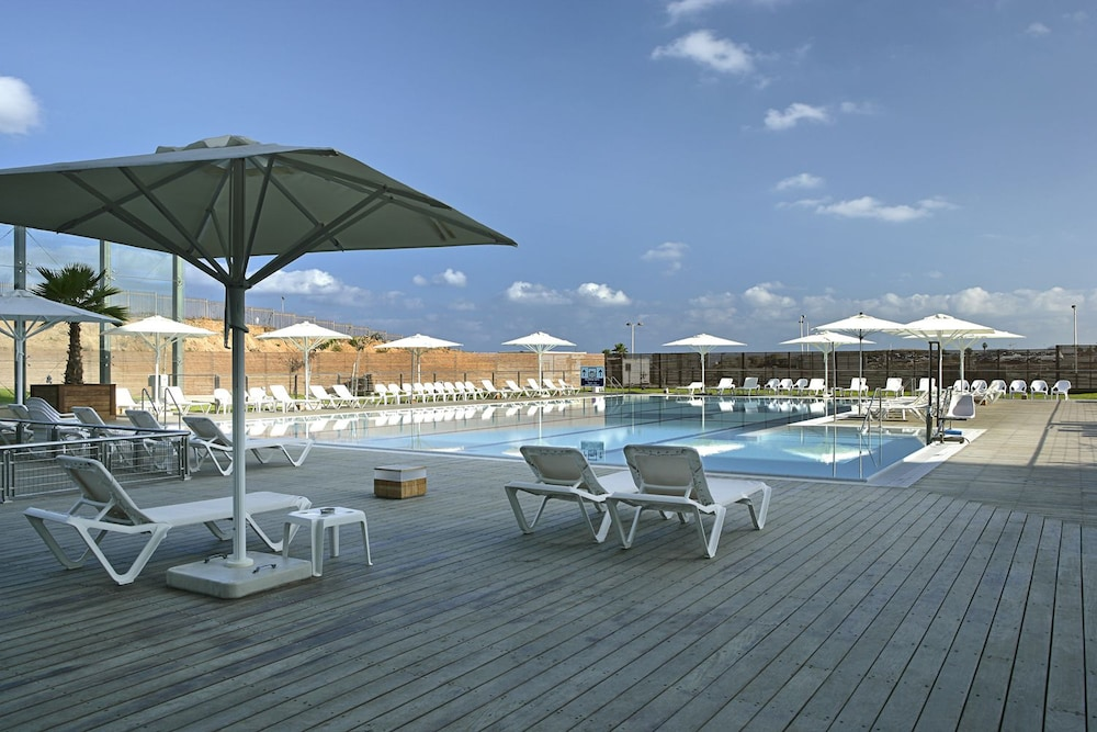 Outdoor Pool, West All Suite Boutique Tel Aviv