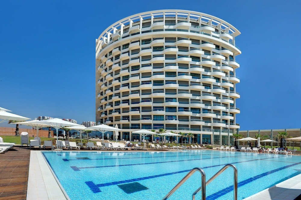 Pool, West All Suite Boutique Tel Aviv