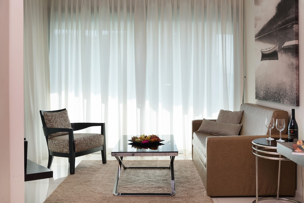 Living Room, West All Suite Boutique Tel Aviv