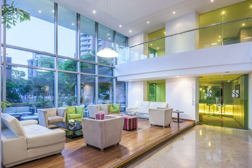 Lobby, NH Collection Barranquilla Smartsuites Royal