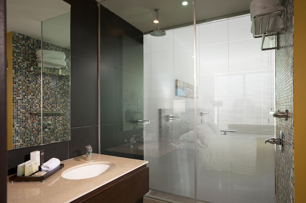 Bathroom, NH Collection Barranquilla Smartsuites Royal