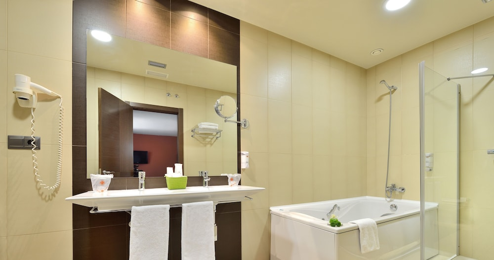 Bathroom, Hotel Spa Norat Torre do Deza