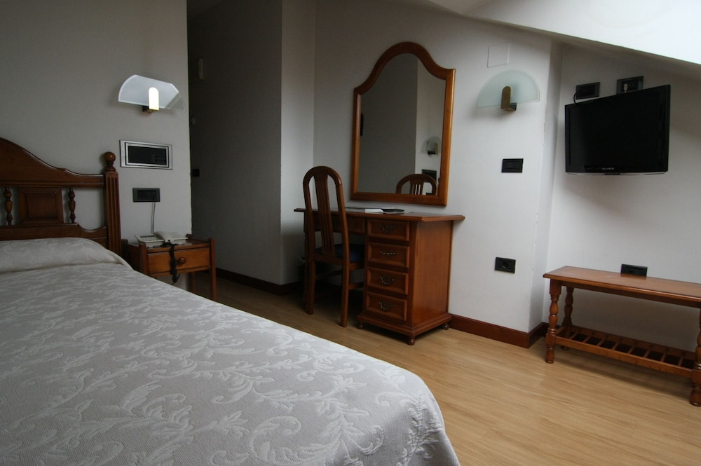 Room, Doña Nieves