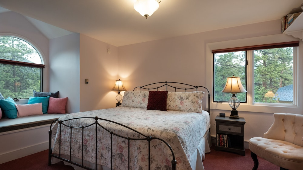 Room, Romantic RiverSong Inn