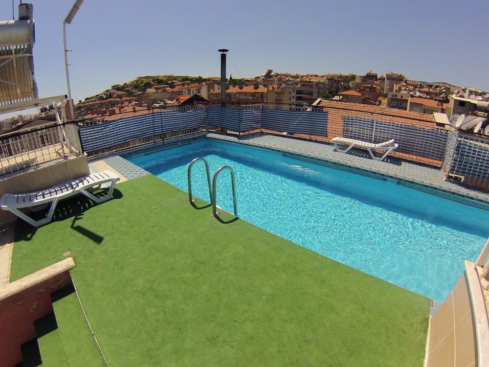 Ayvazali hotel precios promociones y comentarios for Costo piscina coperta al coperto